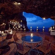 Grotta Palazzese Restaurant; Włochy