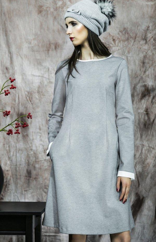 Kasia Miciak design popielata sukienka Ponadczasowa sukienka, wykonana z grubszej wytrzymałej dzianiny (nie dresowej, nie mechaci się, ani nie wypycha jak dresówka