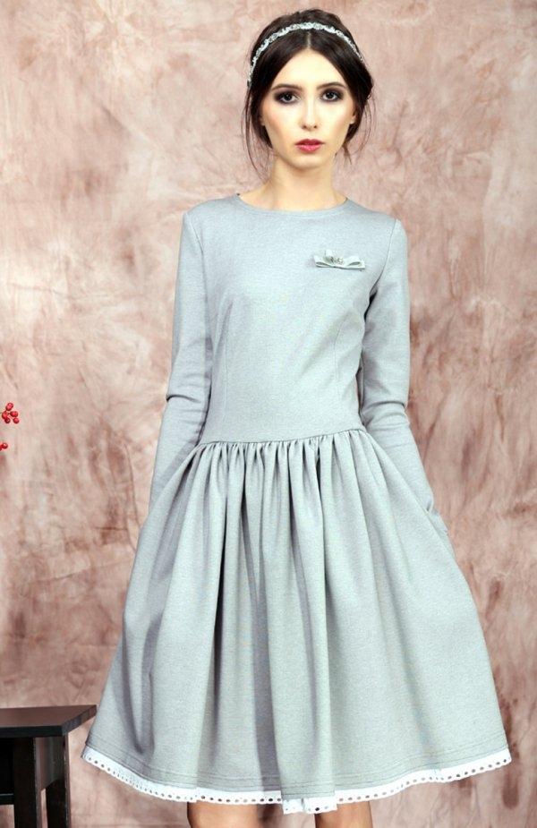 Kasia Miciak design rozkloszowana sukienka szara Dziewczęca sukienka, uszyta z grubszej wytrzymałej dzianiny, dzianina nie mechaci się, nie wypycha