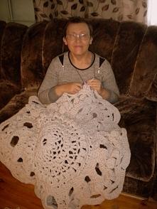 Robię na szydełku dywanik ze sznurka