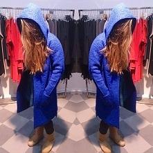 Płaszcz zimowy wełniany płaszcz z kapturem długość- za kolano kolor chabrowy dostępny Eve Polka, Wałbrzyska 11 lok 135, Warszawa