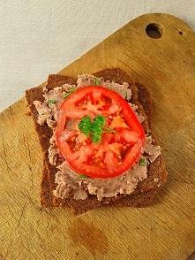 Przepis na pastę kanapkową z czerwonej fasoli znajdziecie na blogu po kliknię...
