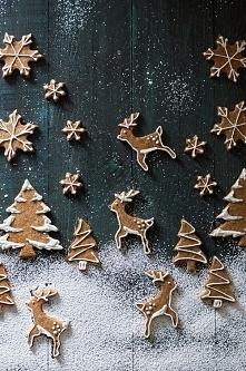 Fajnym i pysznym prezentem są ciasteczka lub pierniczki. Robię je co roku i c...