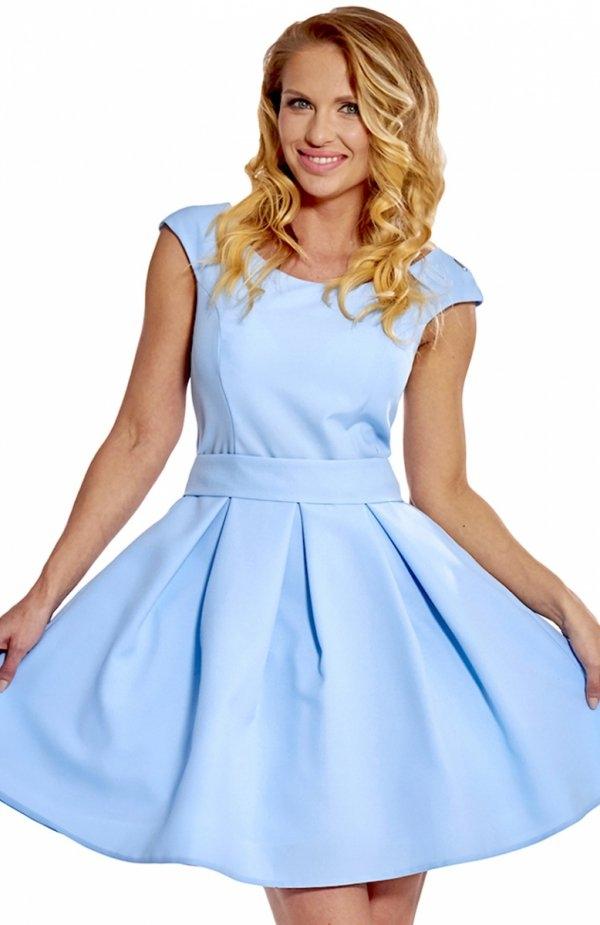 Bicot 2083-11 sukienka błękitna Efektowna sukienka, wykonana z gładkiej dzianiny, dół pięknie rozkloszowany