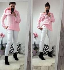 Różowy sweterek z golfem, i...