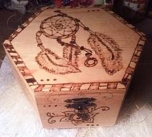 Wypalana szkatułka z indyjskim motywem mehendi :)