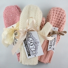 Własnoręcznie wykonane rękawiczki ze starego swetra :) Idealny prezent dla ta...