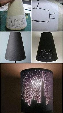 Lampka z własnym motywem. Wystarczy igła, szkic obrazka i kupiona najzwyklejsza lampka. Dziurkujemy na niej wzór i oto powstaje: praktyczny, spersonalizowany prezent :)