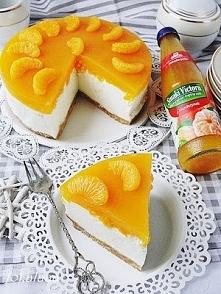 Sernik na zimno z mandarynkami.