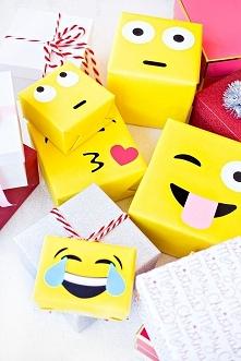 <3 Prezenty opakowane jak emotikonki na pewno zaskoczą każdego :D