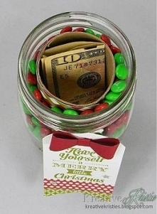 Nie zdążyłeś/aś kupić prezentu i chcesz podarować komuś pieniążki, lecz znudz...