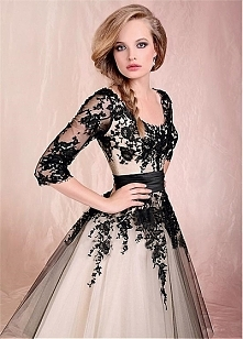 Dream Tulle & Black lace tea-length scoop Vintage Wedding Dresses with lo...