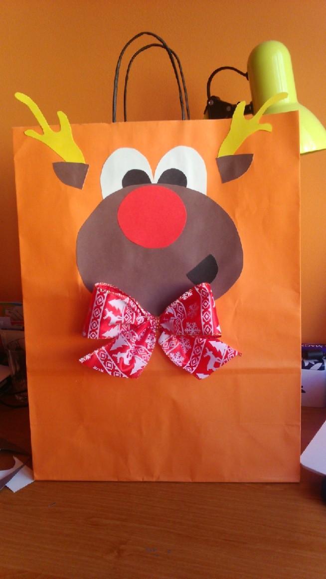 Ze zwykłej torby papierowej pomarańczowej do świątecznej torby prezentowej :)