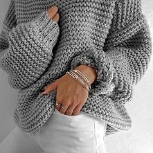 Sweterek *.*