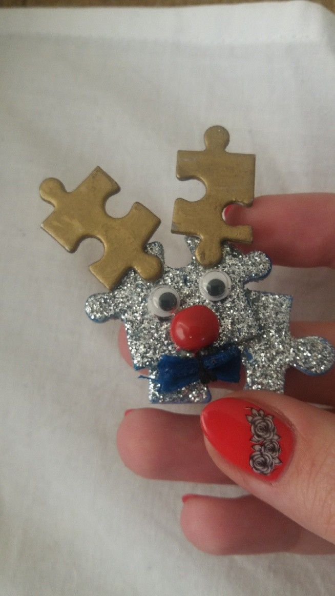 mój wyjątkowy reniferek z puzzli. polecam :)