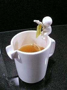 Ucieszyłoby mnie wszyyystko związane z herbatą :)