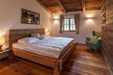 Łóżko ze starego drewna