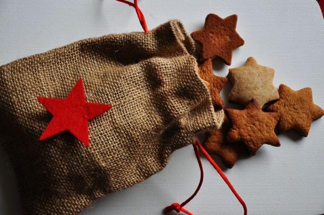 Przepis na świąteczne pierniczki w fit wersji, bez wyrzutów sumienia!