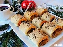 Drożdżowe kapuśniaczki z kapustą kiszoną i pieczarkami Składniki:  500 g mąki...