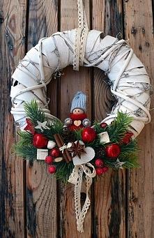 Wianek Świąteczny z lalą, D...