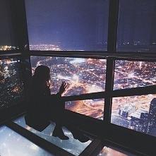 Nocne miasto <3 jestem zakochana w takich widokach ♥ :D