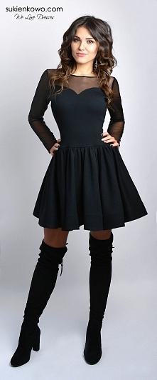 Sukienka z siatką na dekolcie rozkloszowana mała czarna