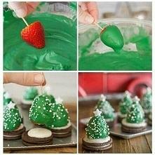 Truskawki+oreo+zielona czekolada=przepyszna choinka. ;>