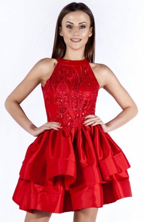 Bicot 2107-05 sukienka czerwona Efektowna sukienka, ma kobiecy fason, dopasowaną górę na szerszych ramiączkach, góra ozdobiona pięknymi wzorami