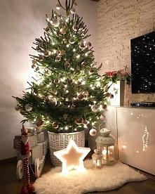 Moja choinka i własnoręcznie robione dekoracje. Zobacz wiecej na blogu twojediy.pl