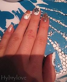 #nails #nailpolish #nailart #semilac #neonail #bydgoszcz #święta #hybrydy #zima #renifercio