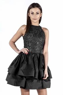 Czarna sukienka na sylwestra