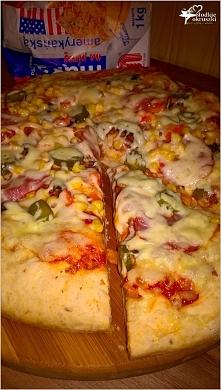 Sylwestrowa pizza na grubym cieście