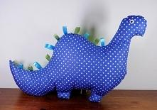 Dinozaur uszyty z bawełny.
