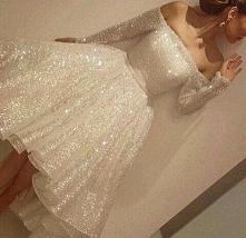 dziewczyny szukam takiej sukienki. spotkalyscie cos podobnego?