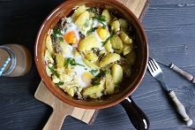 Zapiekane ziemniaki z pieczarkami w serze i jajku - doskonały dodatek do obiadu