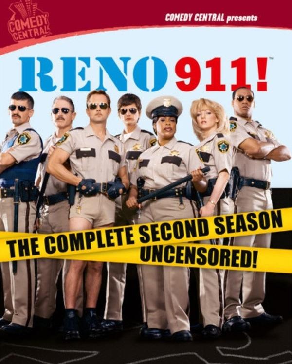Reno 911!(2003-2009)  Serial produkowany m.in. przez Danny'ego DeVito, opowiadajający o pracy grupy policjantów z drogówki.