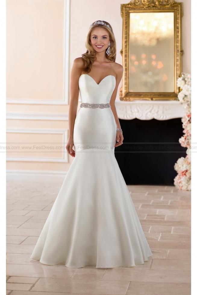 Stella York Curve Hugging Wedding Dress Style 6390