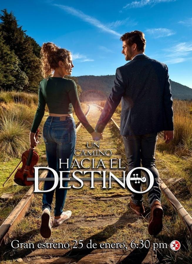 Droga do szczęścia (2016)  Fernanda (Paulina Goto) jest ubogą, ale utalentowaną dziewczyną, marzącą o studiach muzycznych, które pozwoliłyby jej zostać znakomitą skrzypaczką. Jej matka, Amelia, w wieku osiemnastu lat zaszła w ciążę z Luisem (René Strickler), studentem prawa, który szybko porzucił ją dla milionerki Marissy. Kiedy ojciec wyrzucił ciężarną Amelię z domu, zakochany w niej od dawna ogrodnik, Pedro (Jorge Aravena), ożenił się z nią by zapewnić opiekę jej i dziecku. Zgorzkniała z powodu zawodu miłosnego i konieczności życia w ubóstwie Amelia nie potrafiła jednak obdarzyć uczuciem ani jego, ani córki, więc Pedro za dwoje okazywał Fernandzie miłość i wsparcie. Dzięki swojej siostrze, kierującej elitarną szkołą dla dziewcząt, Pedro zapewnił przybranej córce doskonałą edukację. Nie stać go jednak na lekcje muzyki dla niej, więc Fernanda na własną rękę rozwija swój samorodny talent, mając nadzieję, że dzięki konsekwentnej pracy dostanie się do wymarzonego konserwatorium. Pewnego dnia na ulicy Fernanda zostaje potrącona przez jadącego samochodem Luisa. Luis zabiera ją do szpitala, gdzie staż lekarski odbywa jego pasierb – syn Marissy – Carlos (Horacio Pancheri). Luis i Fernanda nie mają pojęcia kim dla siebie są: on jest przekonany, że Amelia usunęła ciążę, a Fernanda żyje w przeświadczeniu, że Pedro jest jej rodzonym ojcem i nie wie, że jej matkę i Luisa w przeszłości cokolwiek łączyło. W szpitalu między Carlosem i Fernandą od pierwszego wejrzenia rodzi się miłość. Niestety Isabela, dziewczyna Carlosa, gotowa jest na wszystko, by nie pozwolić mu odejść, a Fernanda na drodze do miłości i realizacji swoich marzeń napotka wiele przeciwności i paru zaprzysięgłych wrogów…