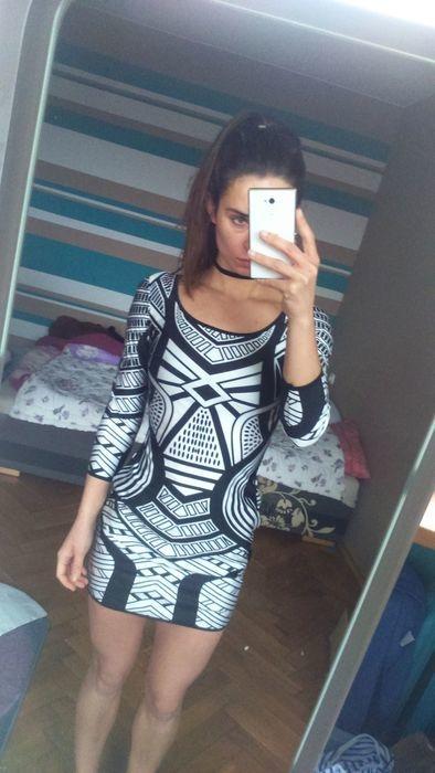 Sprzedam nową sukienkę - za 60 zł. Wystawiona również na vinted