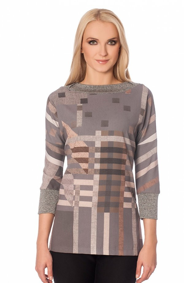 Alekssandra Fiord sweter Kobiecy sweter damski,  luźny fason tuszuje drobne niedoskonałości sylwetki, z przodu piękny print