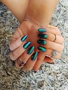 Moonlight effect nails