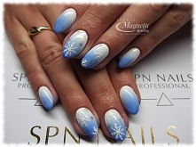 Zimowe zdobienia i zimowe kolory  Nails by Olga, Studio Magnetic Nails Monika...