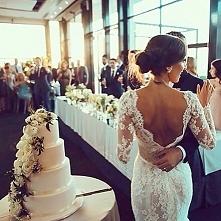 Piękna panna młoda, piękny tort :)
