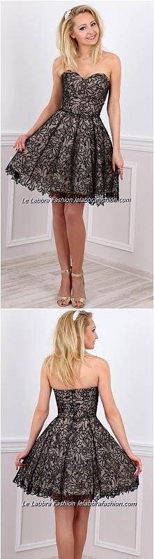 Le Labbra Fashion Kolekcja 2017 Model Bianca Zalotna sukienka uszyta z czarne...