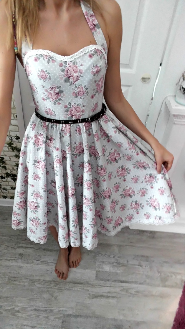 d0306dc21a sukienka rozkloszowana w kwiaty na Mój styl - Zszywka.pl