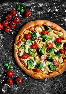 Pizza z kurczakiem curry i brokułami - mniam!
