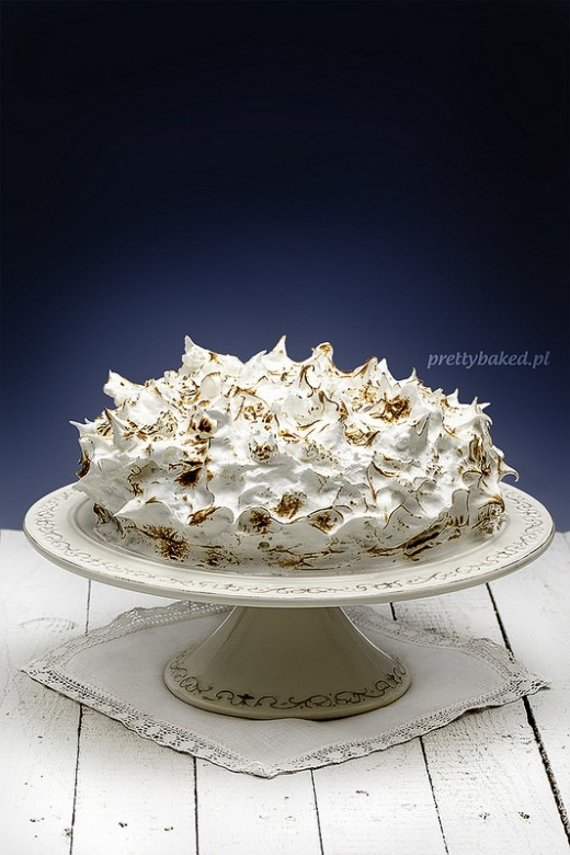 płonący tort chałwowy