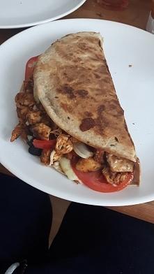 Dietetyczny obiad - tylko ok 416 kcal Tortilla z kurczakiem. Przepis po kliknięciu w zdjęcie