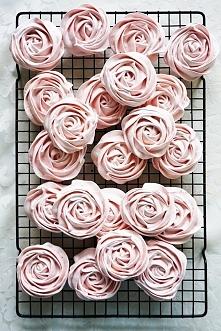 Róże bezowe- przepis po kli...