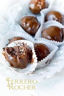 Domowe Ferrero Rocher (czekoladowo-orzechowe kulki w czekoladzie)